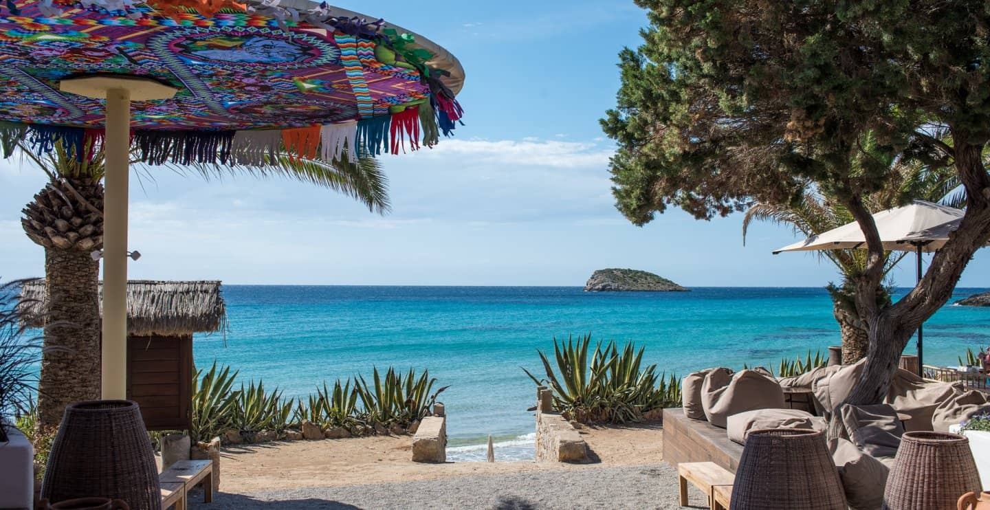 Peekaboo Ibiza baby equipment rental beach