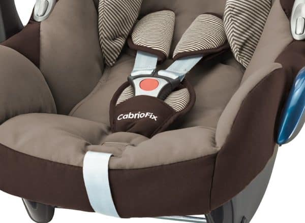Peekaboo Ibiza babyspullen verhuur baby autostoeltje maxi